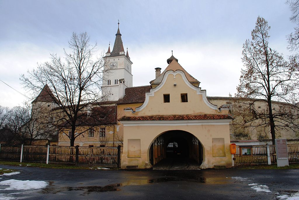 Biserica evanghelică din Harman intrare