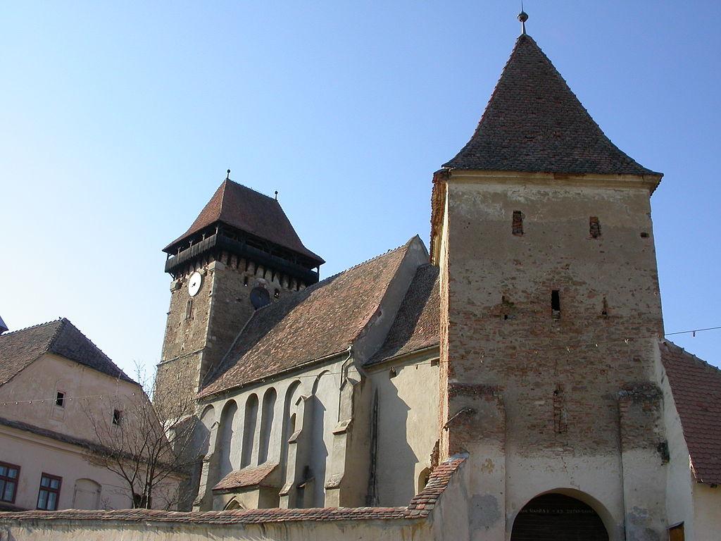 Biserica fortificată din Băgaciu11