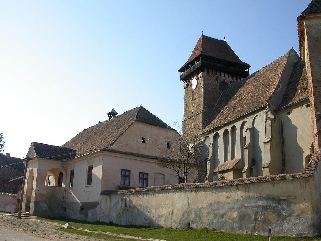 Biserica fortificată din Băgaciu111