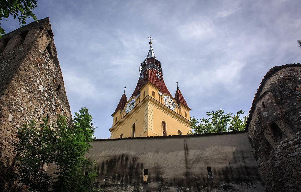 Biserica fortificată din Cristian1