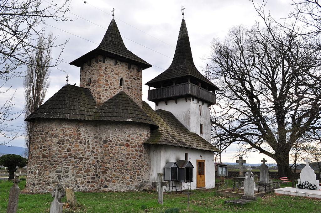 Biserica medievală din Gurasada11
