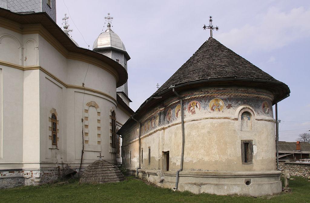Biserica-monument din Domnesti1