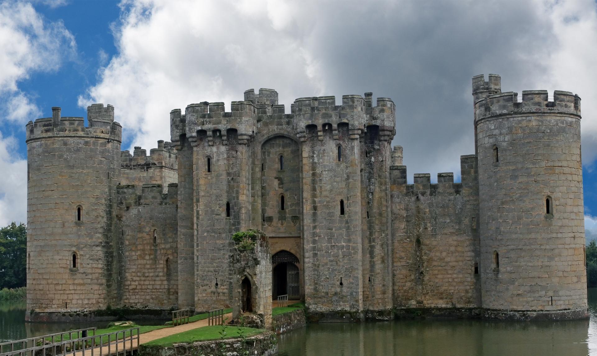 Bodiam Castle11