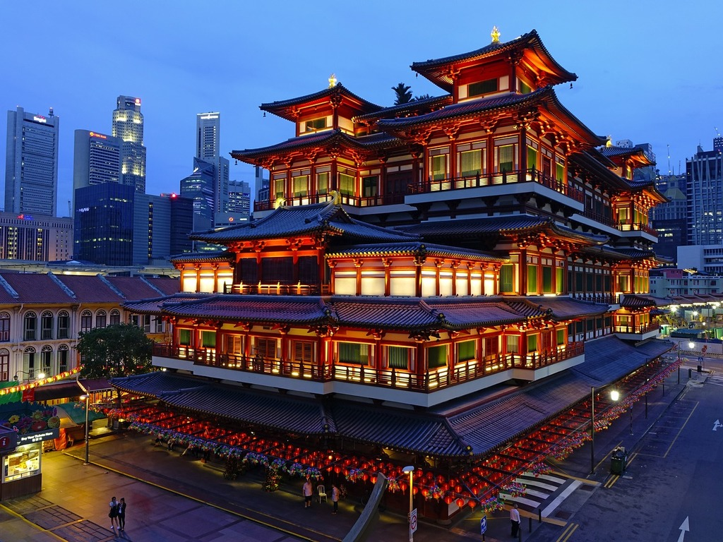 Buddha tooth relic temple singapore chinatown, religion.