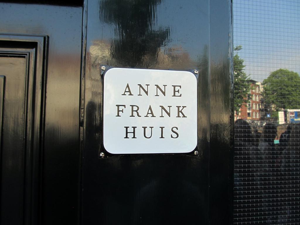 Casa Annei Frank din Amsterdam11