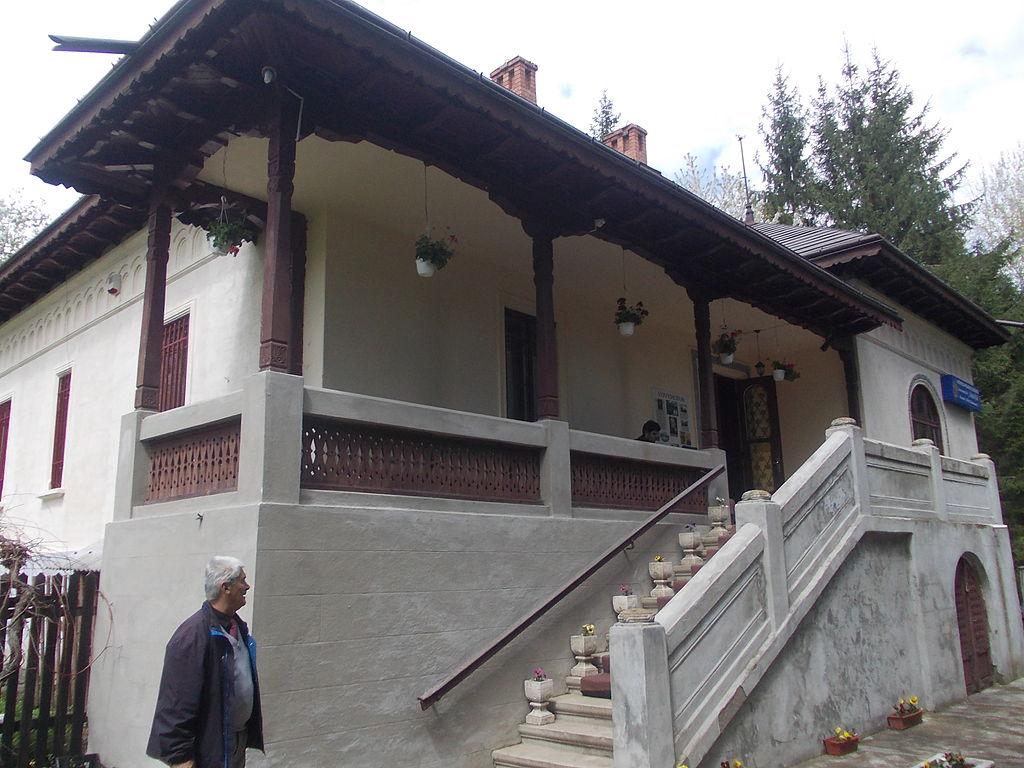 Casa memorială Mihail Sadoveanu