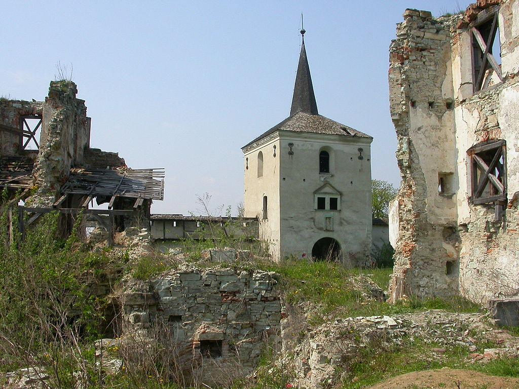 Castelul Kornis1