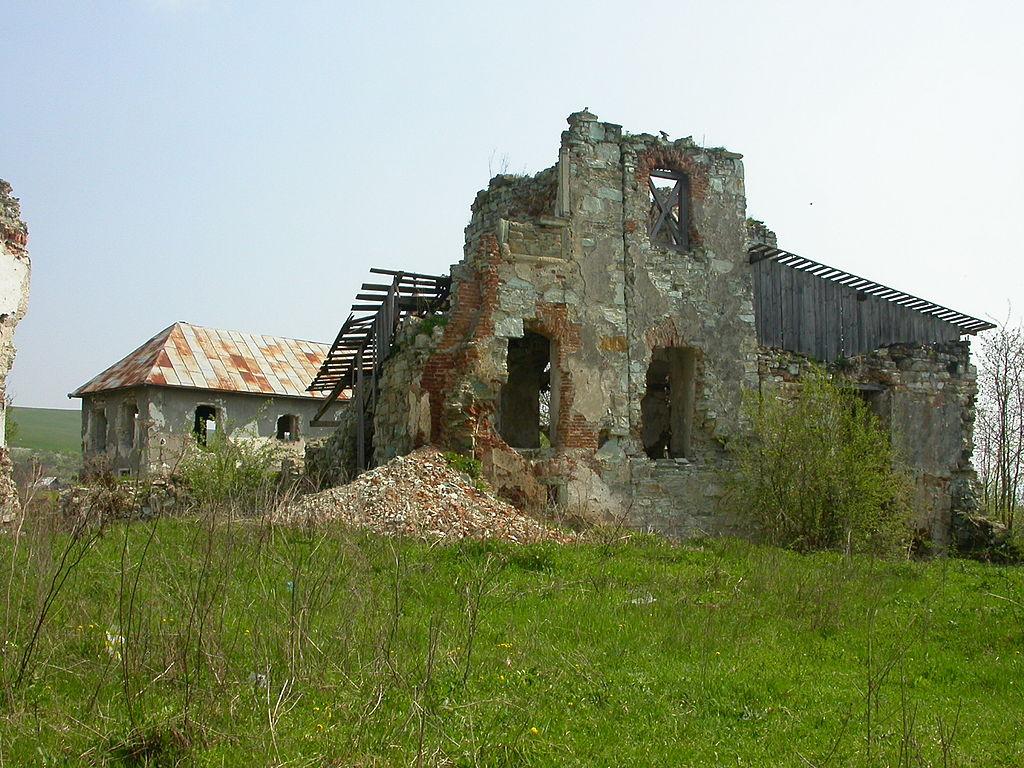 Castelul Kornis11