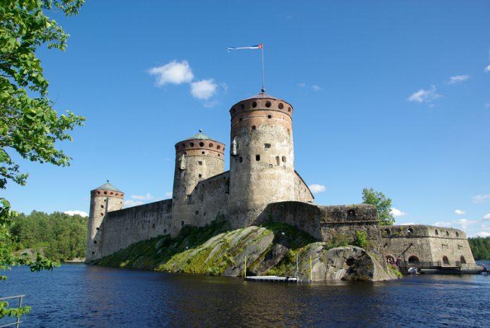 Castelul Olavinnlinna: Obiective turistice Finlanda - Savonlinna - Deștepți.ro