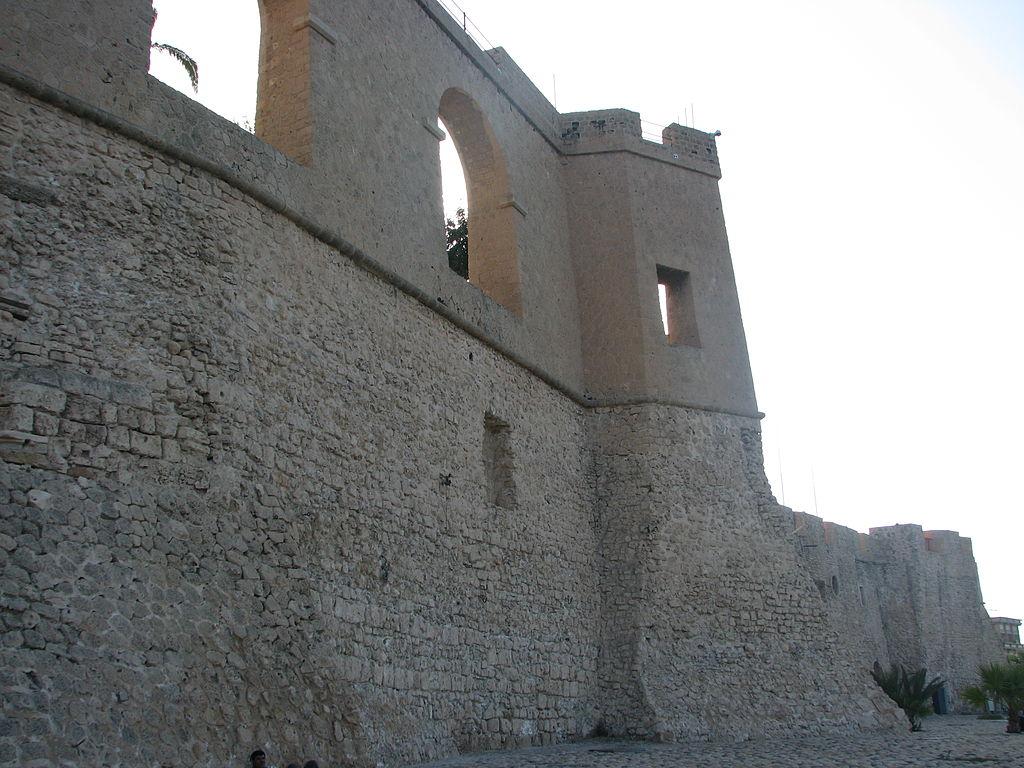 Castelul Rosu Tripoli111