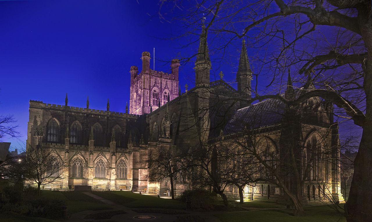 Catedrala Chester noaptea
