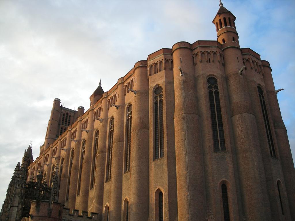 Catedrala Sainte-Cecile1