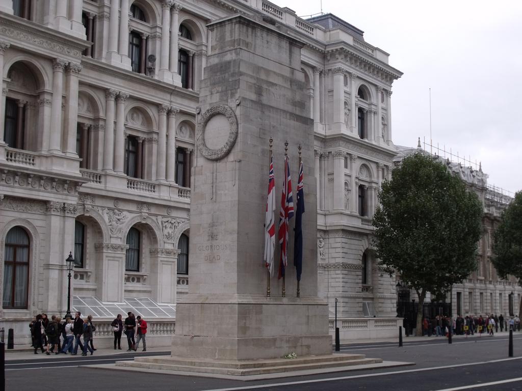 Cenotaful din Londra11