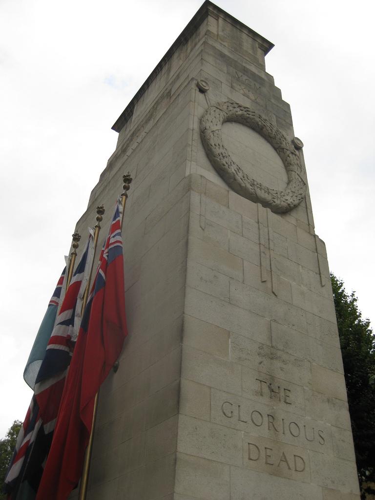 Cenotaful din Londra111