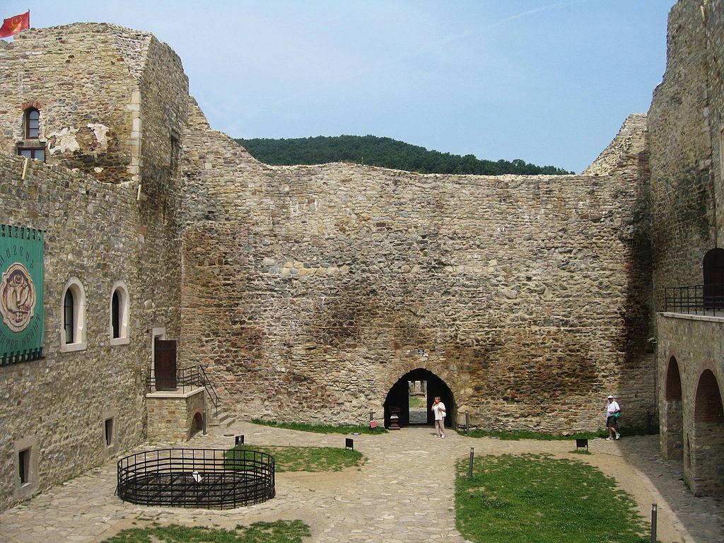 Cetatea Neamţ11