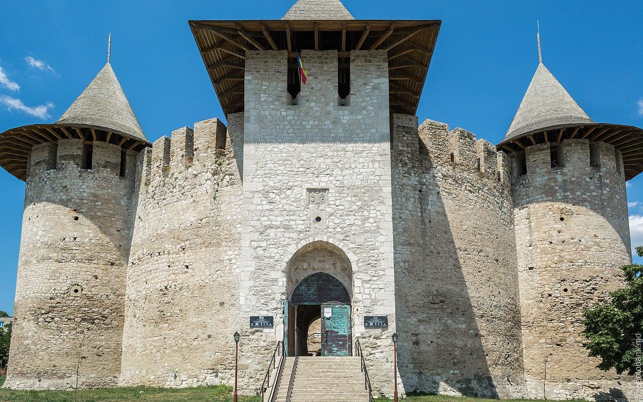 Cetatea Soroca11