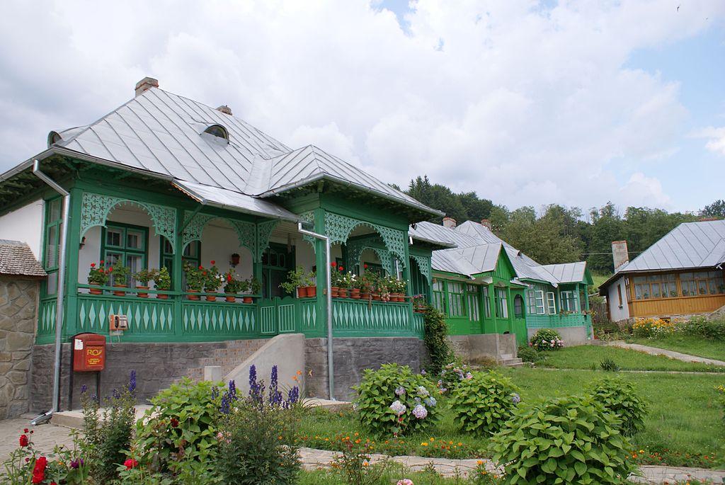 Chiliile din interiorul Manastirii Suzana