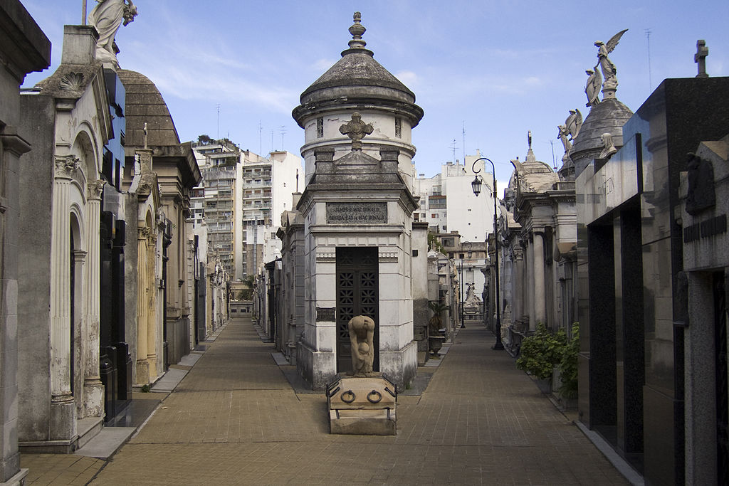 Cimitirul La Recoleta11