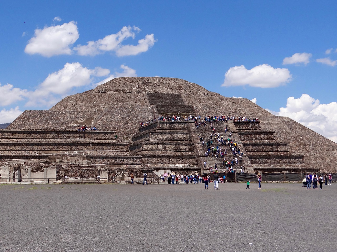 Complexul arheologic Teotihuacan1111