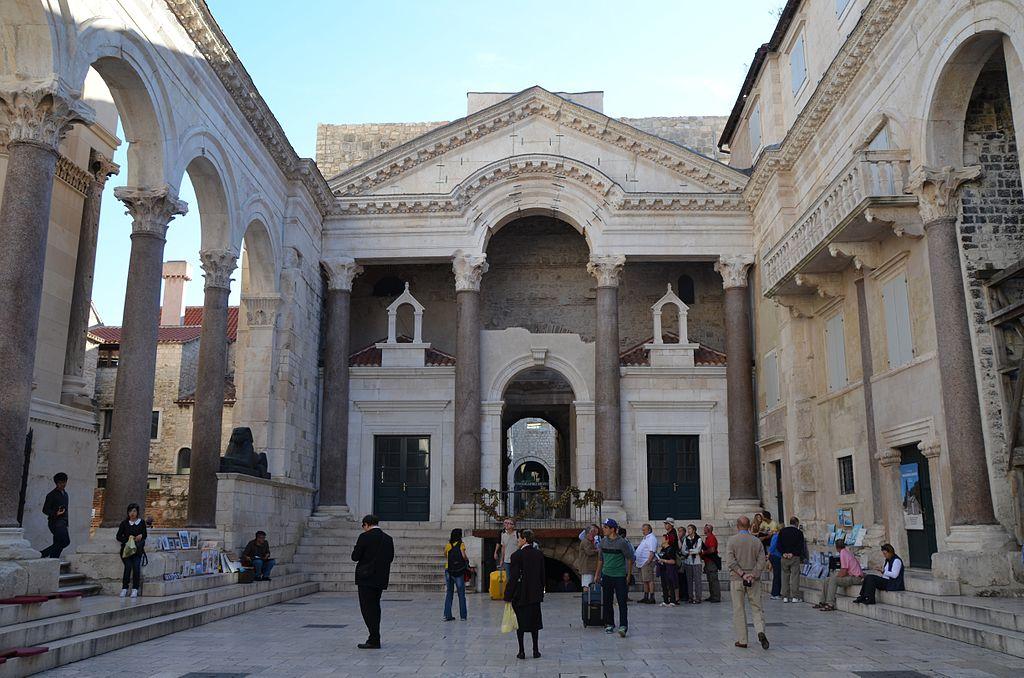 Complexul istoric si palatul imparatului Diocletian