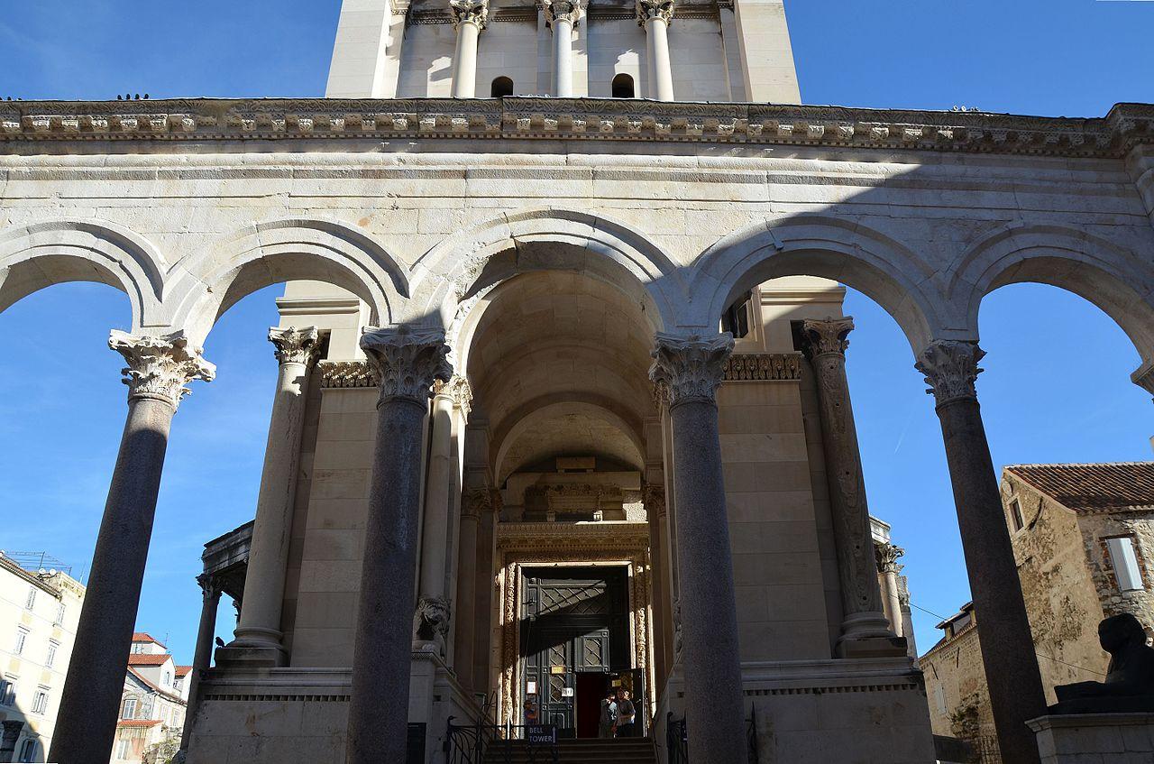 Complexul istoric si palatul imparatului Diocletian1