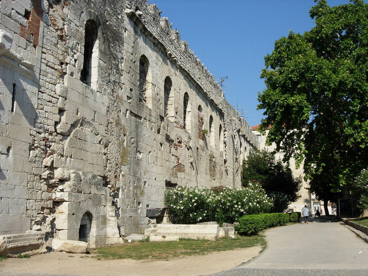 Complexul istoric si palatul imparatului Diocletian11