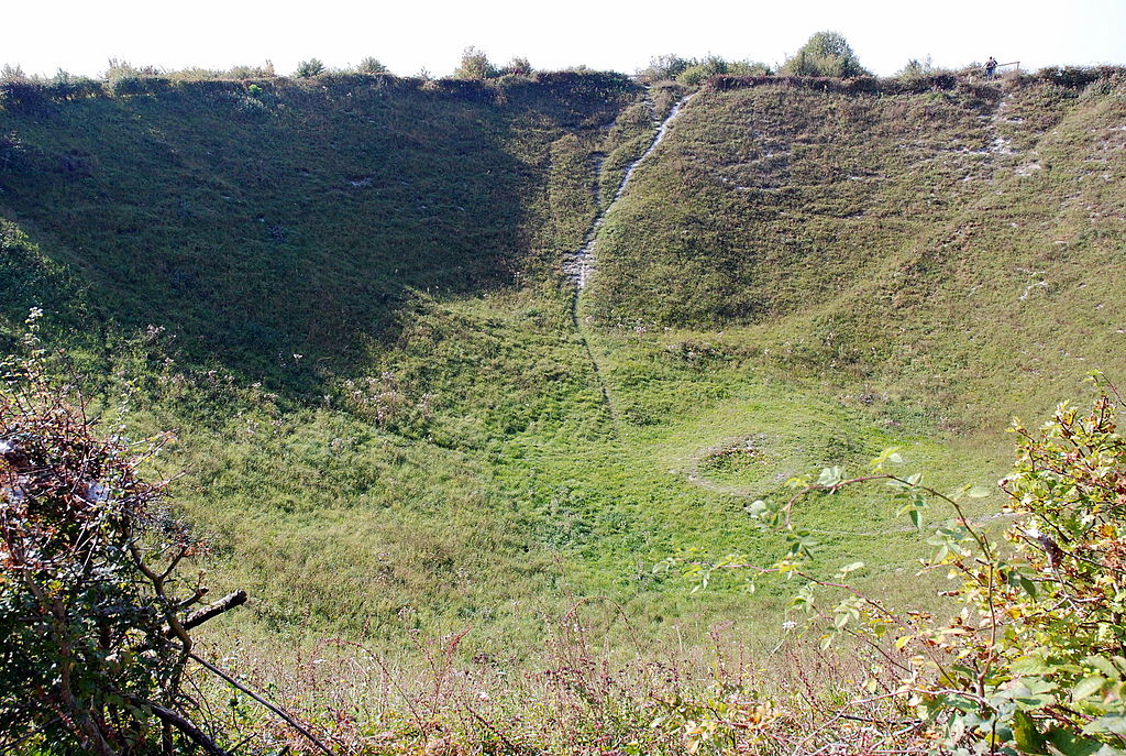 Craterul Lochnagar11
