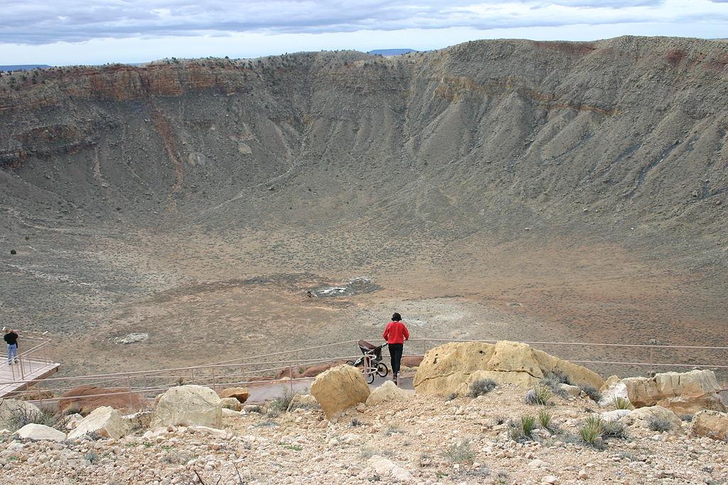 Craterul Meteor11