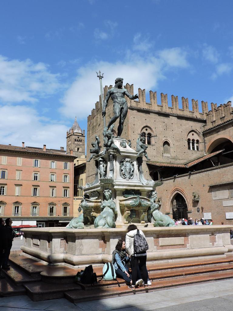 Fantana lui Neptun din Bologna1