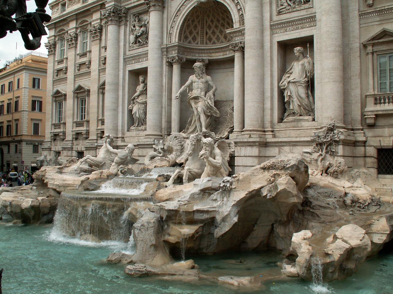 Fontana di Trevi111