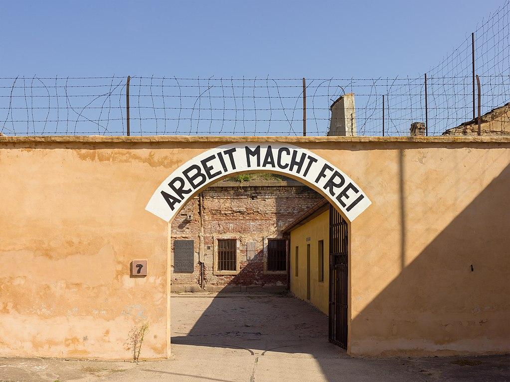 Fortareata din Terezin111