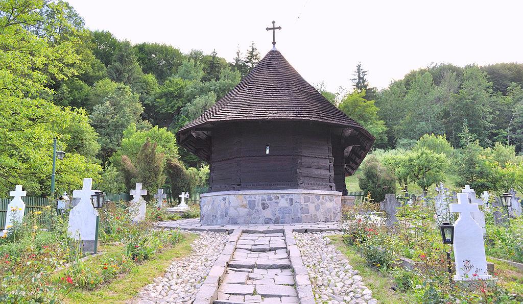 Mănăstirea Dintr-un lemn11