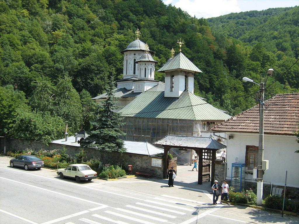 Mănăstirea Lainici1