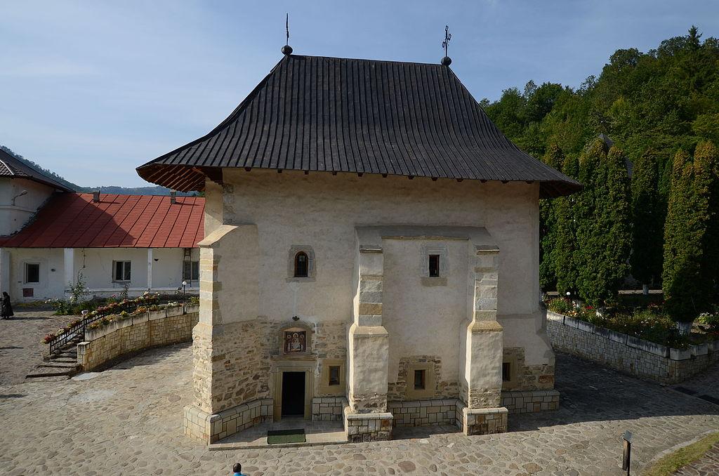 Mănăstirea Pângărați11