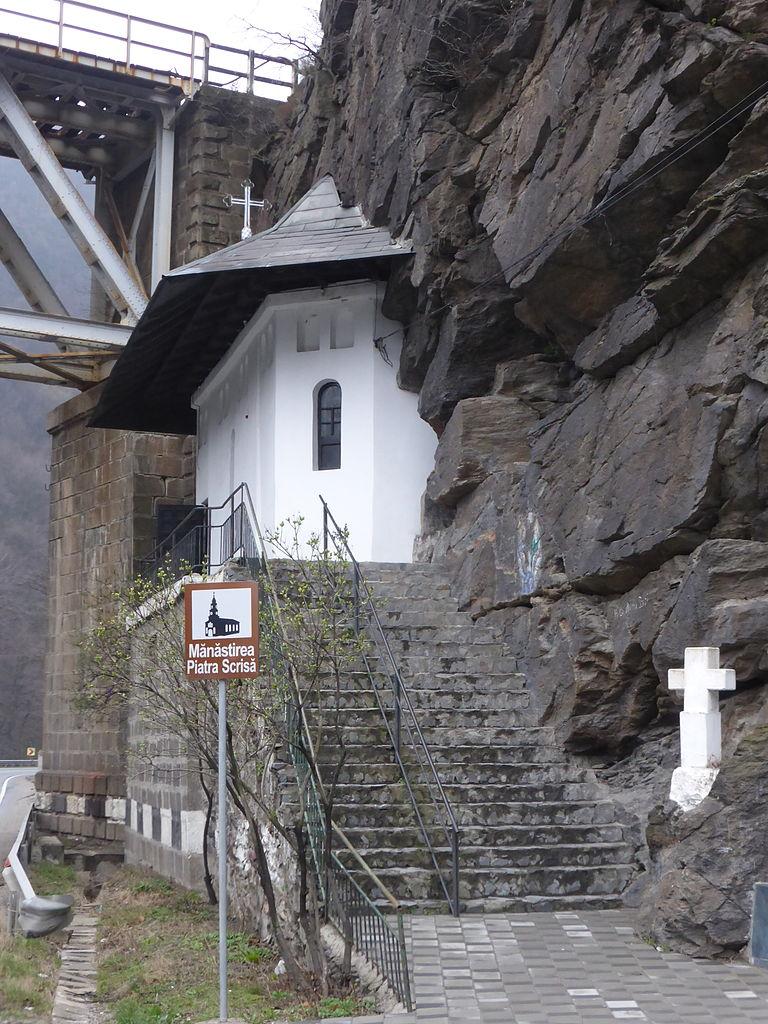 Mănăstirea Piatra Scrisă1