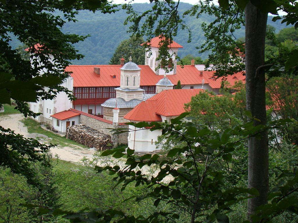 Manastirea Arnota1
