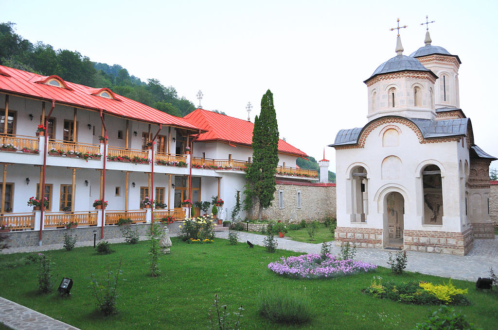 Manastirea Arnota3
