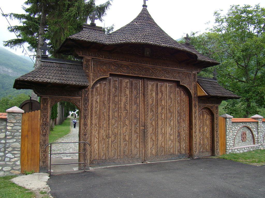 Manastirea Polovragi1