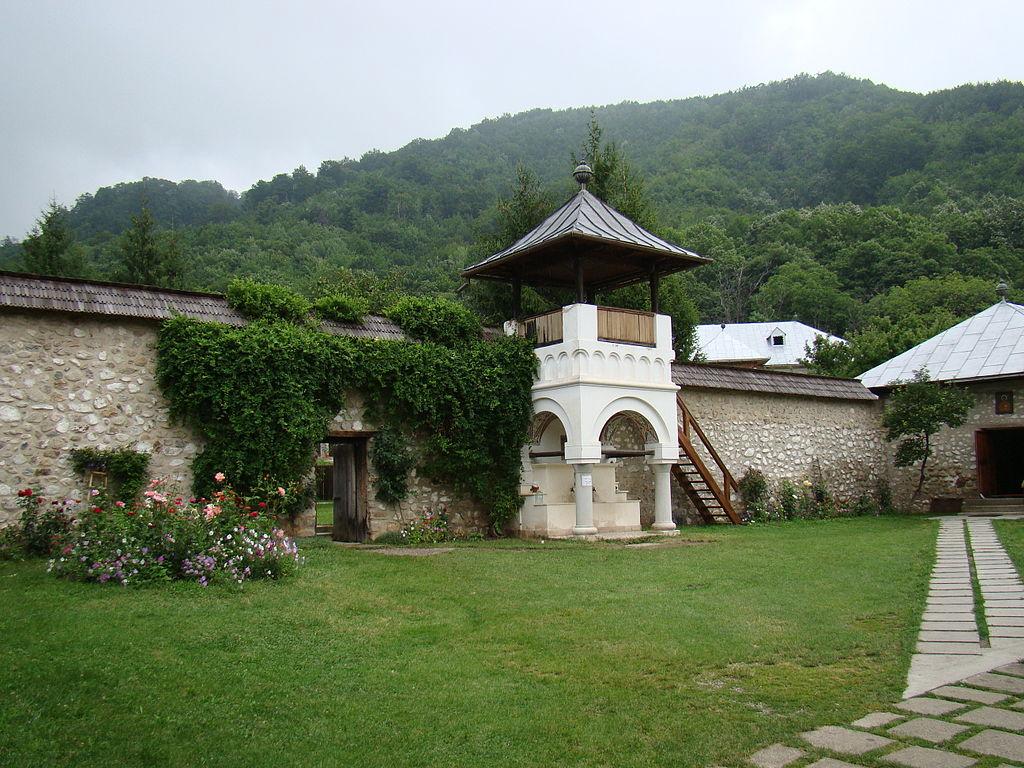 Manastirea Polovragi12
