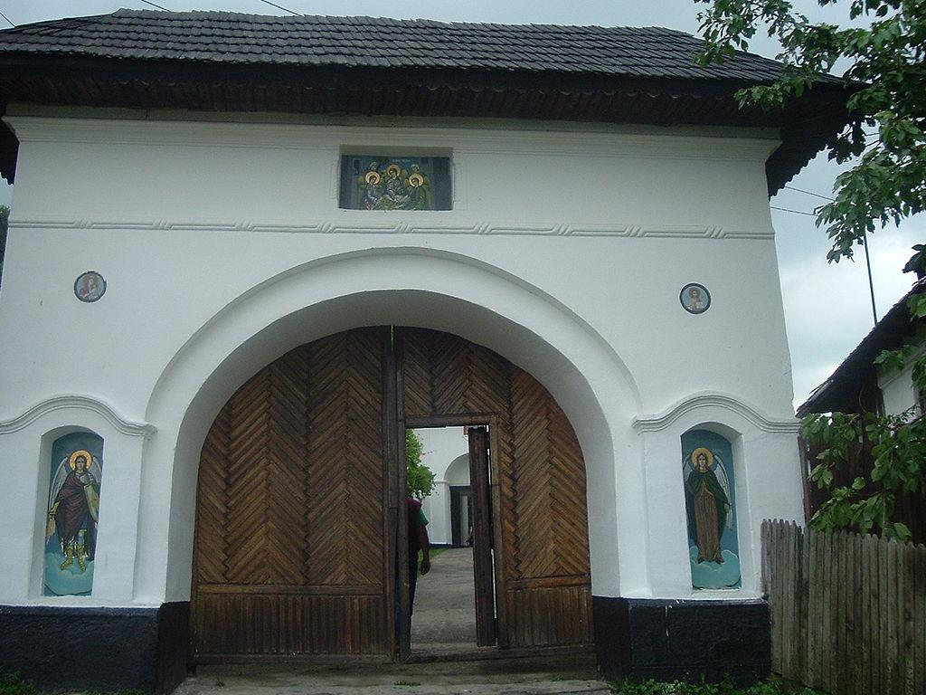 Manastirea Surpatele2