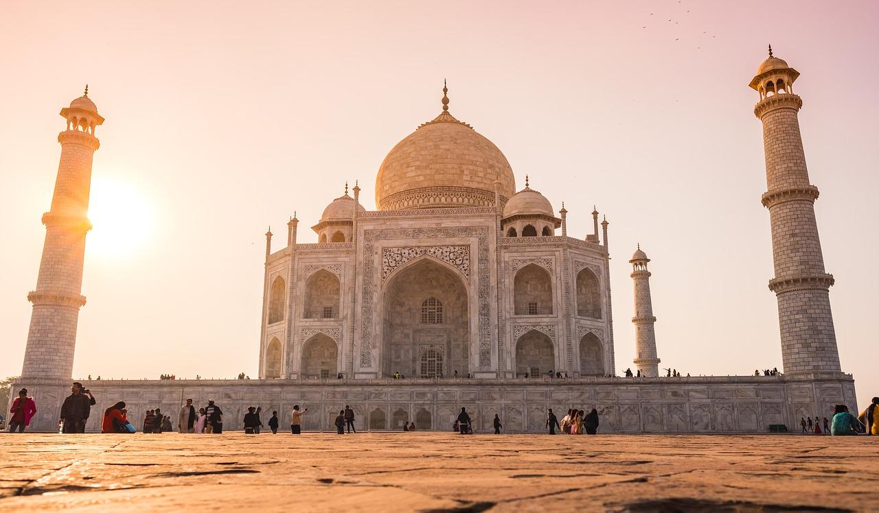 Mausoleul Taj Mahal111