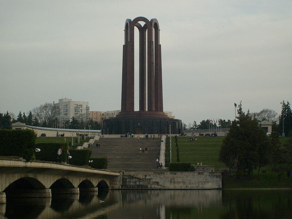 Mausoleul din Parcul Carol I11
