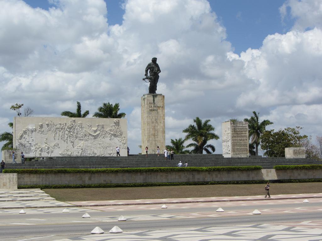 Monumentul Che Guevara din Santa Clara111