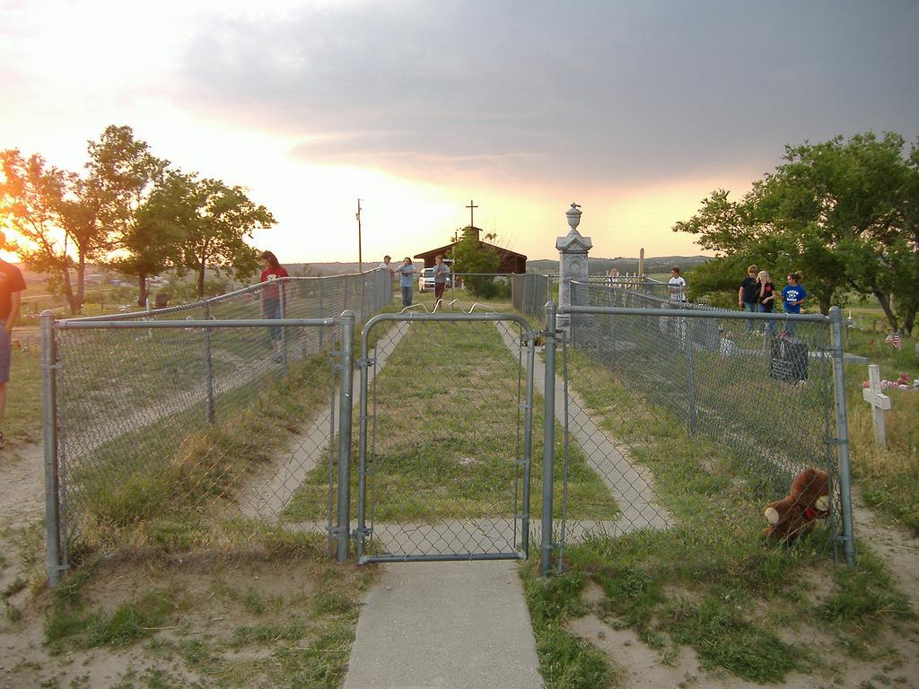 Monumentul de la Wounded Knee11