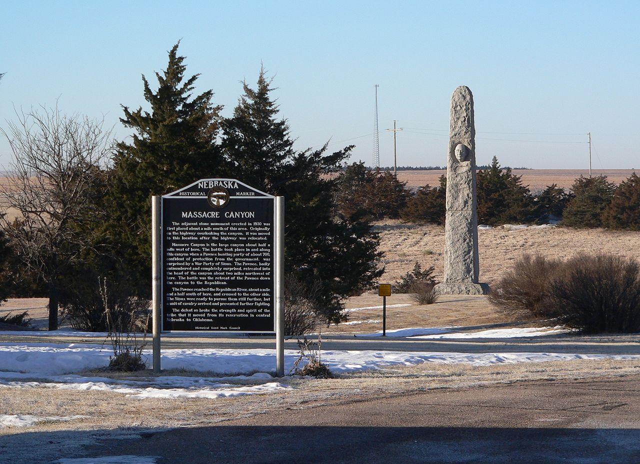 Monumentul de la Wounded Knee111