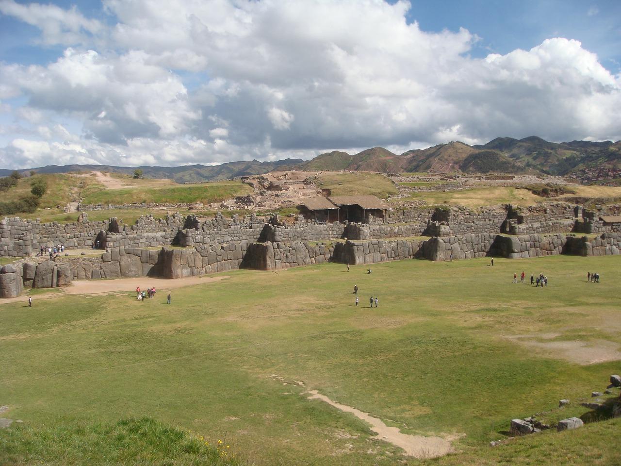 Monumentul din piatra Sacsayhuaman