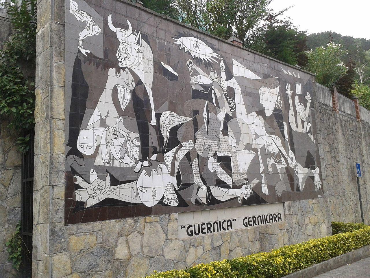 Monumentul inchinat pacii din Guernica11