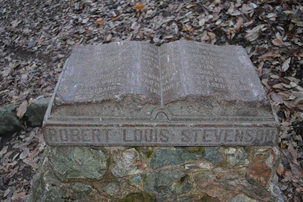 Mormantul lui Robert Louis Stevenson11