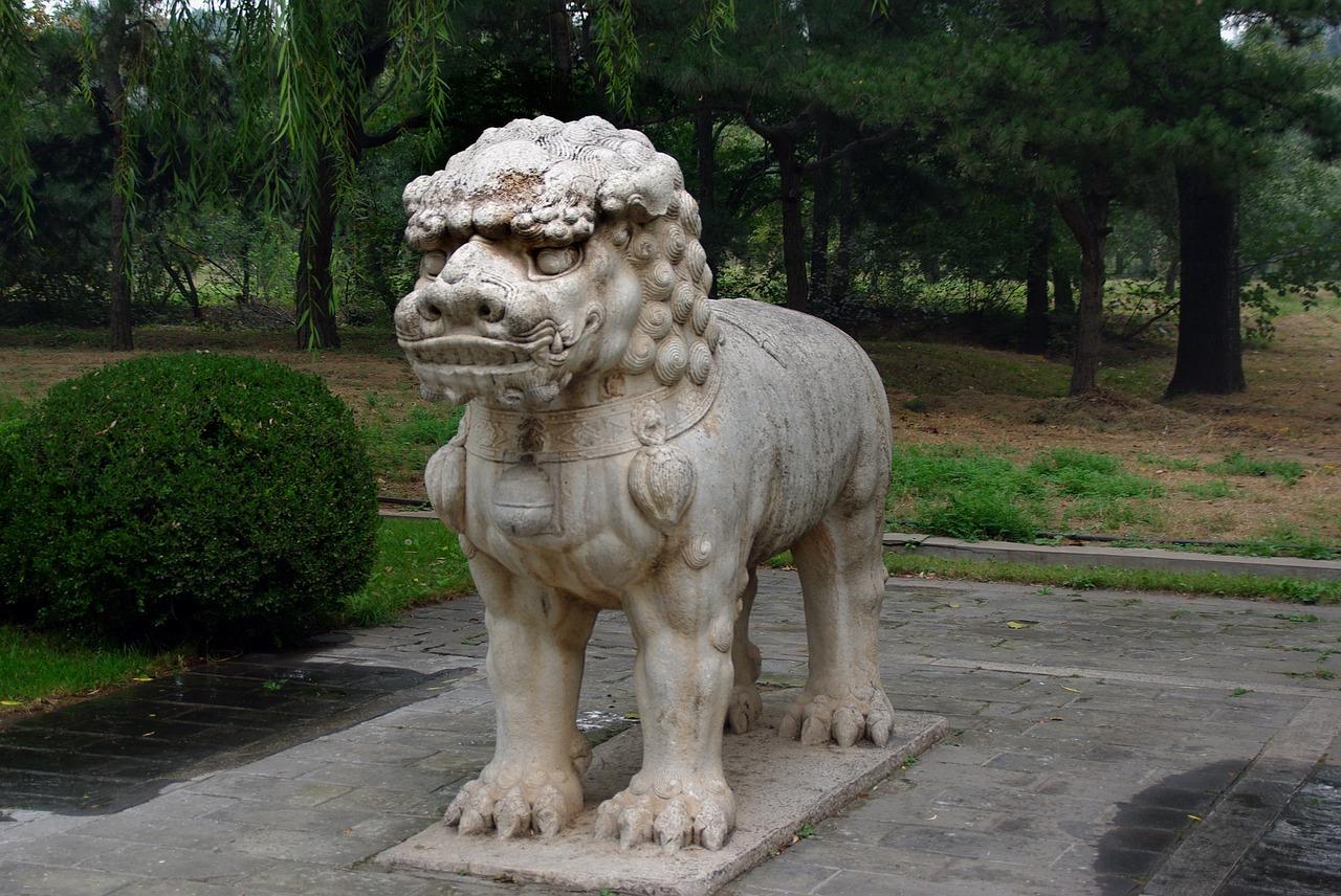Mormintele Ming11