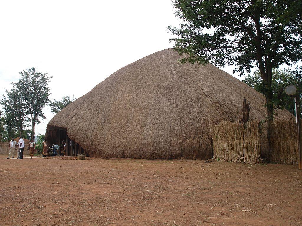 Mormintele regale Buganda1